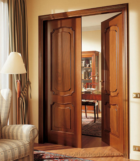 cua-go-tu-nhien-cửa gỗ thông phòng