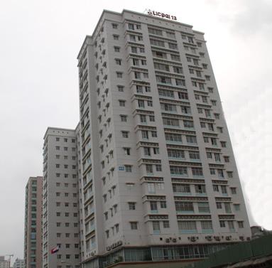 Dự án cửa gỗ nhà chú Cẩn ở tòa nhà Licogi 13 – Hà Nội
