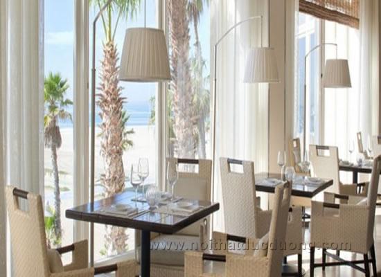 Design nội thất nhà hàng ven biển