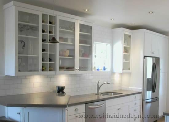 Tủ bếp gỗ kính – nét sang trọng cho phòng bếp