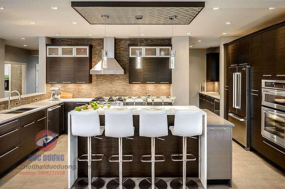 Tủ bếp Laminate màu đen sang trọng – M57
