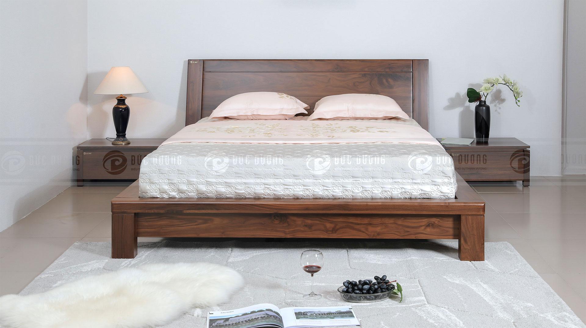 Giường ngủ Rever