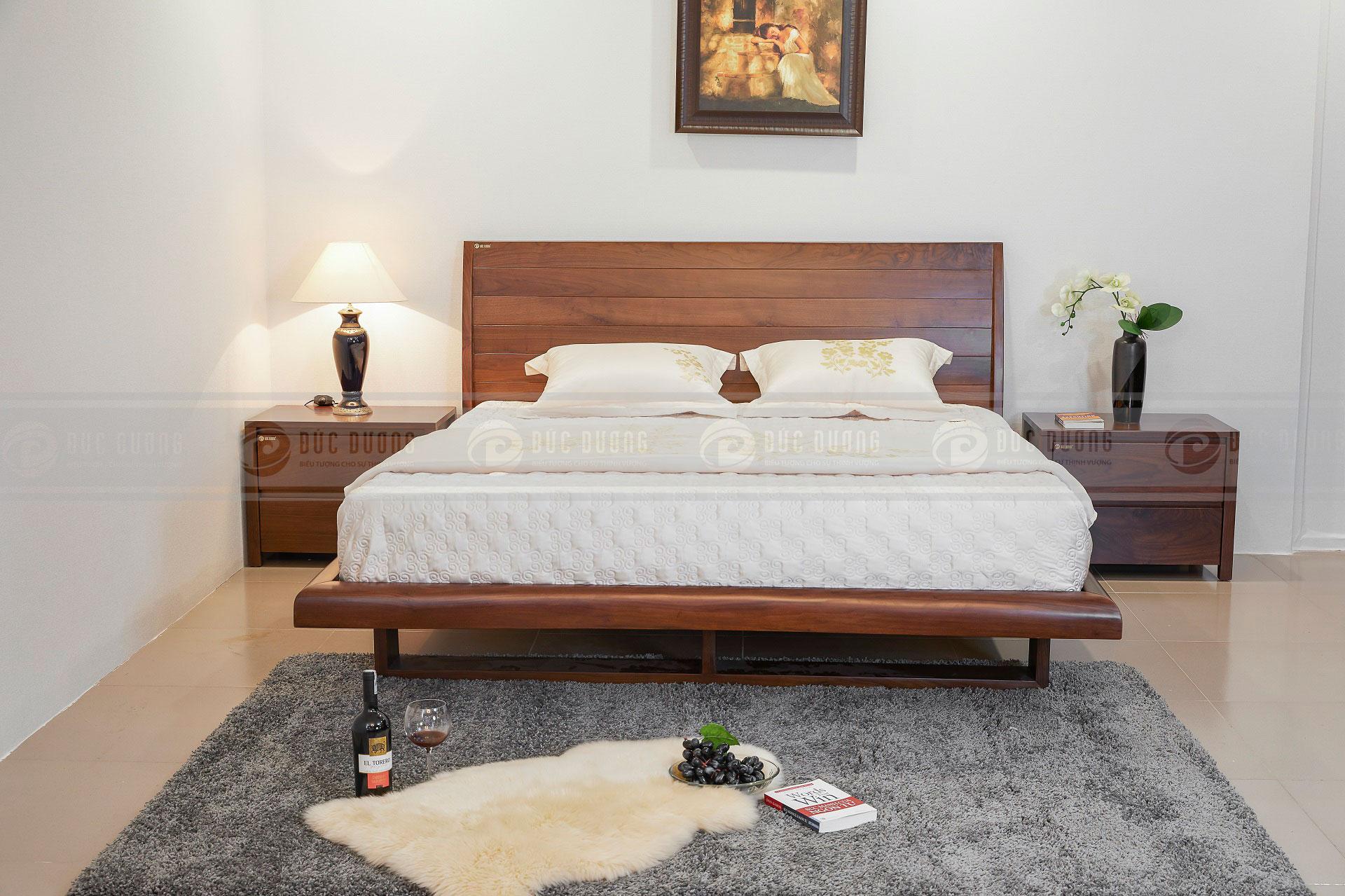 Giường ngủ gỗ óc chó kelly