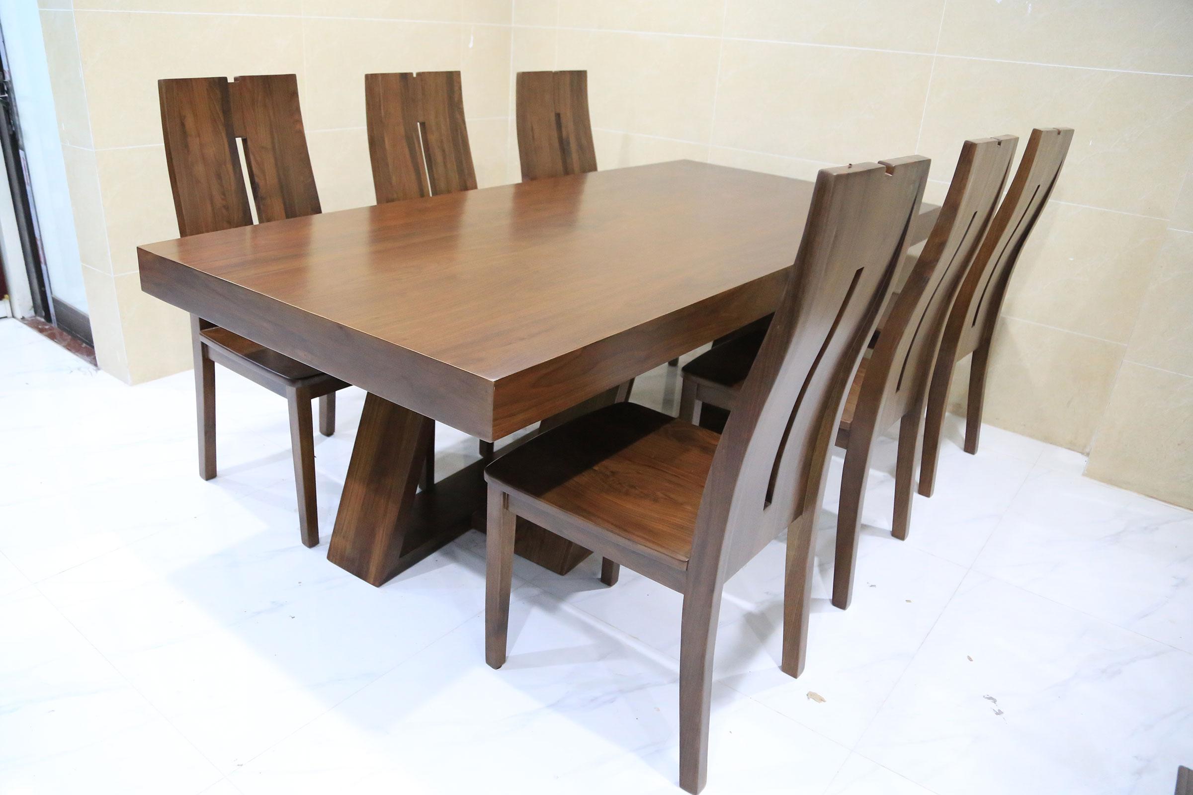 Bộ bàn ghế ăn Grand tại căn hộ chị Yến (Long Biên, Hà Nội)